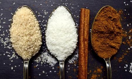 ¿Por qué el azúcar añadido o libre engorda? Tres razones para evitarlo si no quieres subir de peso