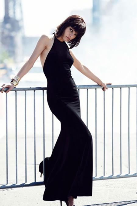 Colección Navidad 2013 Rihanna para River Island vestido negro largo con escote halter