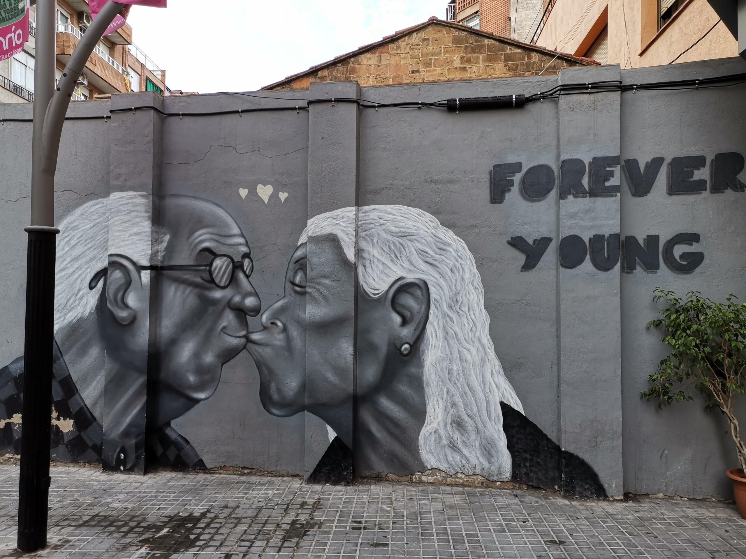 Download 81 Koleksi Gambar Grafiti Orang Tua Terbaik HD
