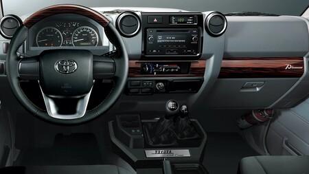 Toyota Land Cruiser 70th Anniversary Edition 2021 1
