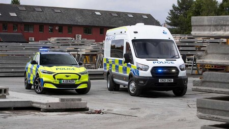 Ford Mustang Mach E Policia Reino Unido 7