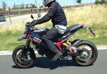 Nuevas fotos espía de la Ducati Hypermotard 848 2013