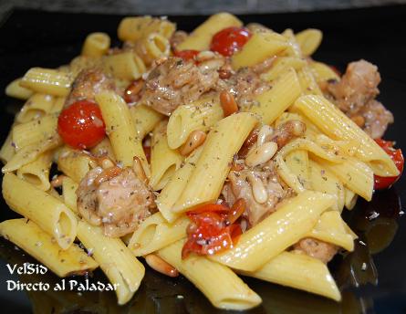 Macarrones con atún y tomates cherry a la provenzal