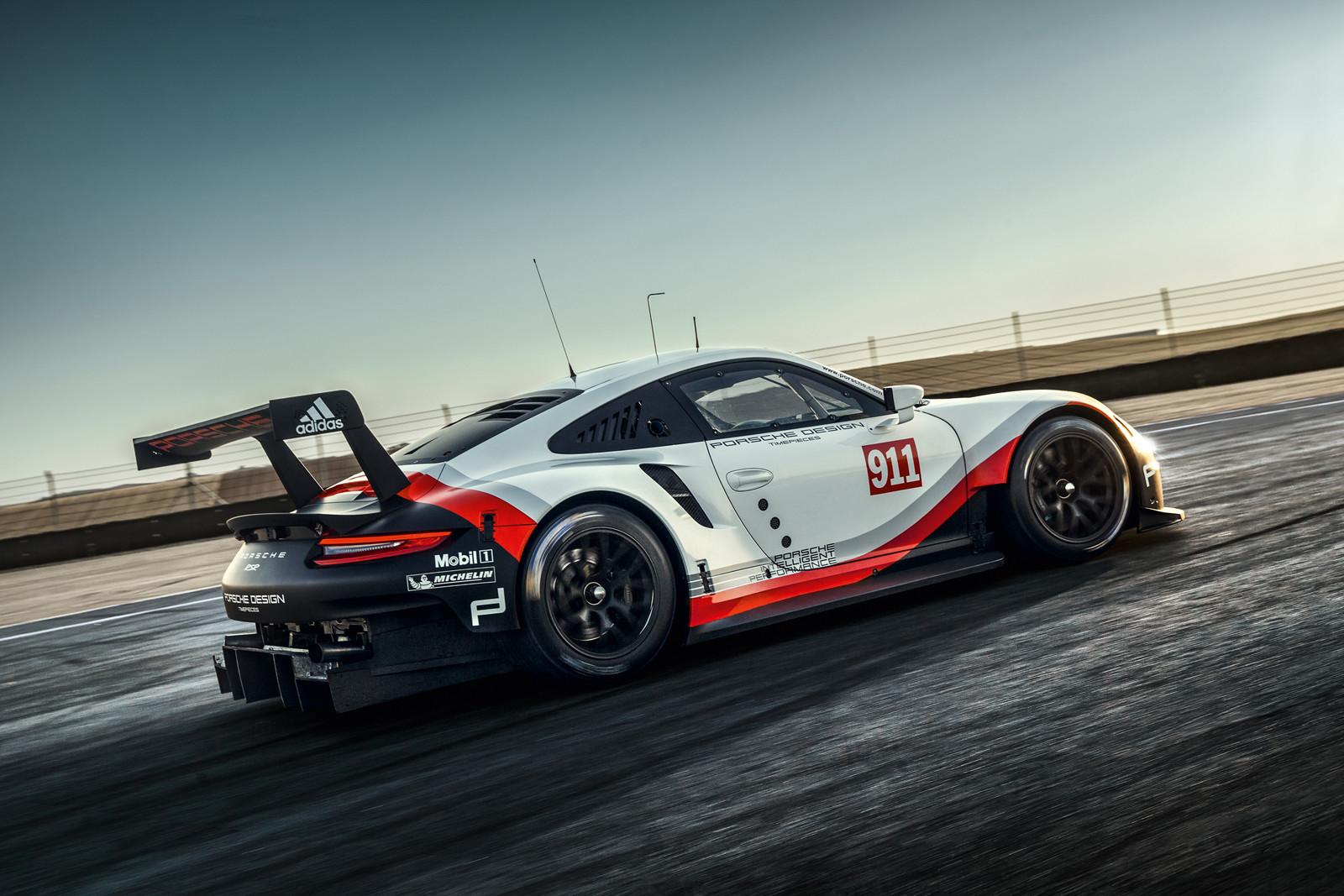 Foto de Porsche 911 RSR 2017 (2/9)