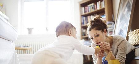 Nueve madres que están felices de haber renunciado a sus trabajos y quedarse en casa con sus hijos