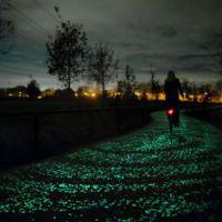 Holanda ya tiene su espectacular carril-bici que se ilumina en la oscuridad