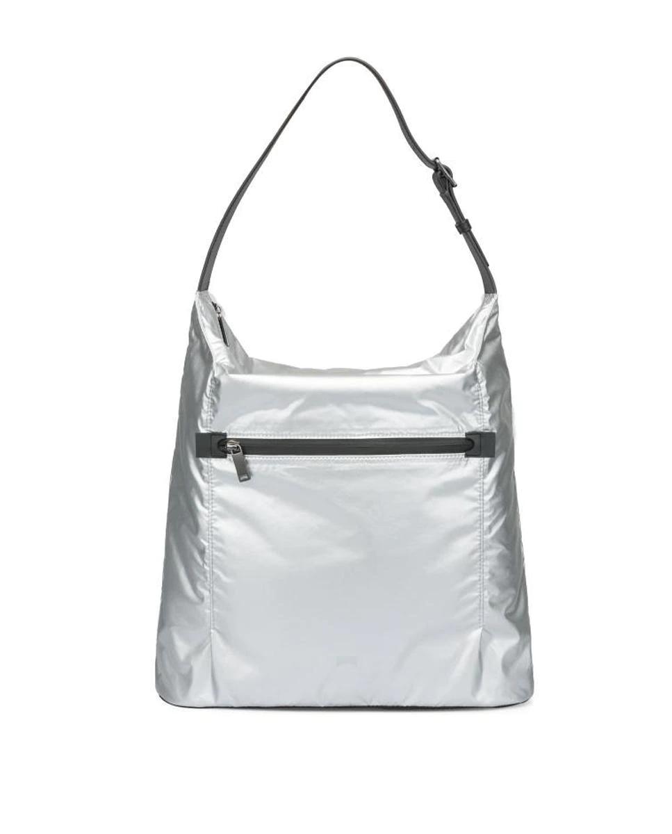 Bolso de hombro Camper color plata con asa ajustable