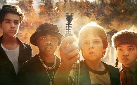 'Campamento alienígena': un irregular pasatiempo juvenil para Netflix que funciona mejor cuando se acerca a 'Los Goonies'