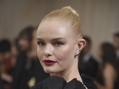 Kate Bosworth patina en la Gala del MET 2017 con un look total black