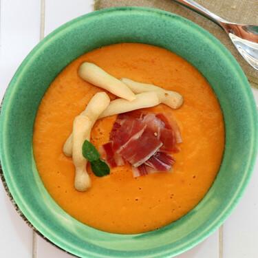 Receta de porra de tomate, mango y aguacate, la sabrosa sopa fría de la Axarquía malagueña
