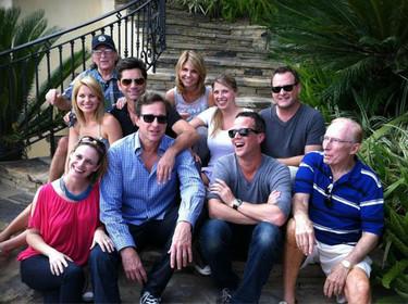 Y 25 años después, los actores de 'Full House' lo celebran... sin noticias de las Olsen
