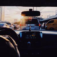 Llega el puente del Pilar: qué horas y rutas son las mejores para viajar en coche y evitar atascos