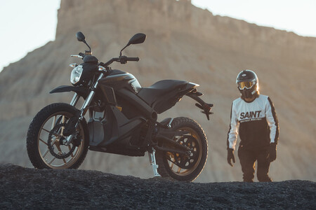 Las 22 motos eléctricas Zero DSR de la Policía Nacional han costado más de 400.000 euros y ofrecen 260 km de autonomía