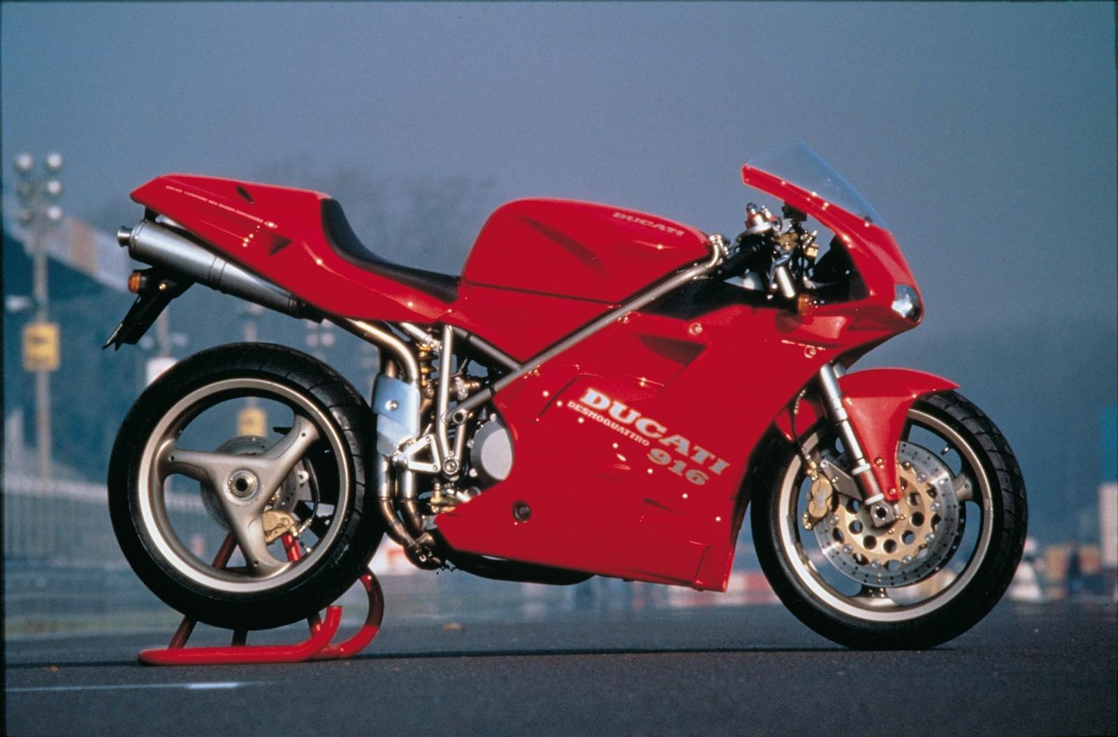 Foto de Ducati Panigale V4 25° Anniversario 916 (49/73)