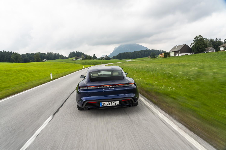 Foto de Porsche Taycan prueba contacto (57/275)