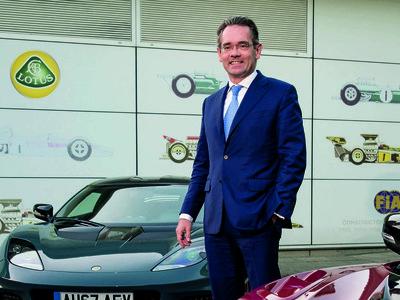 """Cazado a 165 km/h, el CEO de Lotus rebaja su condena porque """"tiene que probar los coches"""""""