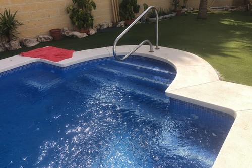 Nuevos planes y negocios veraniegos: alquilar una piscina privada para pasar un día de ocio