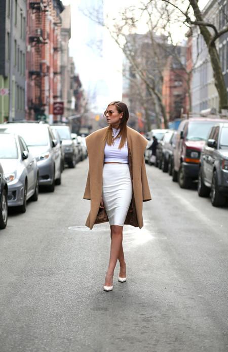 1b6ad0801 Cómo lucir una falda lápiz sin parecer aburrida (y cumpliendo el con ...