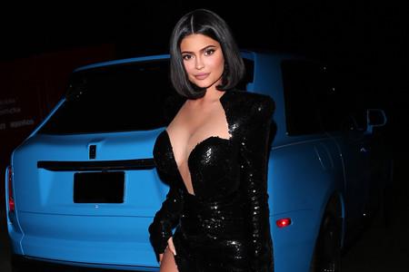 Kylie Jenner y Khloé Kardashian explotan el glitter a su gusto y solo Kim Kardashian se salva de las lentejuelas