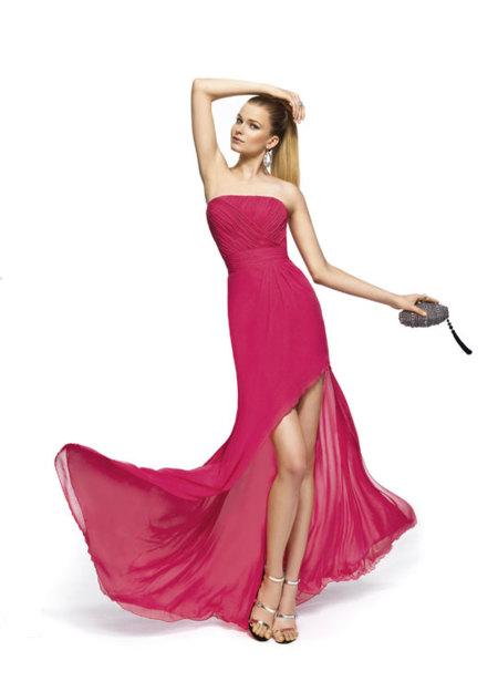Vestidos de fiesta Pronovias 2013: las aberturas de falda mandan