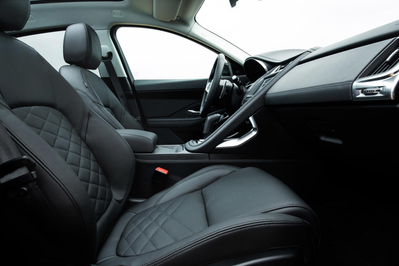Foto de Jaguar E-PACE, primer contacto (123/164)