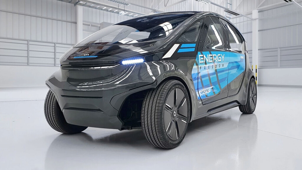 Este prototipo de coche eléctrico autónomo con placa solar consume la misma energía que un peatón al desplazarse, según su fabricante