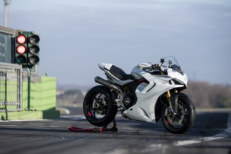 Ducati Supersport 950 2021 031