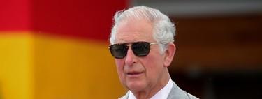 De gira por el Caribe, el Príncipe Carlos demuestra el elegante lado de los trajes neutros para primavera