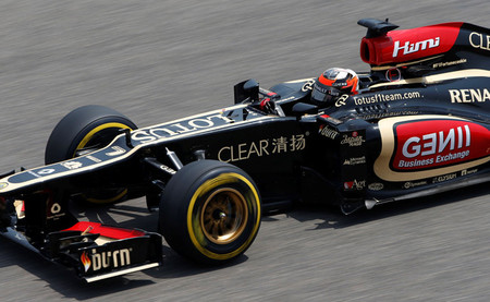 Kimi Räikkönen se sobrepone a las adversidades y logra una meritoria segunda posición