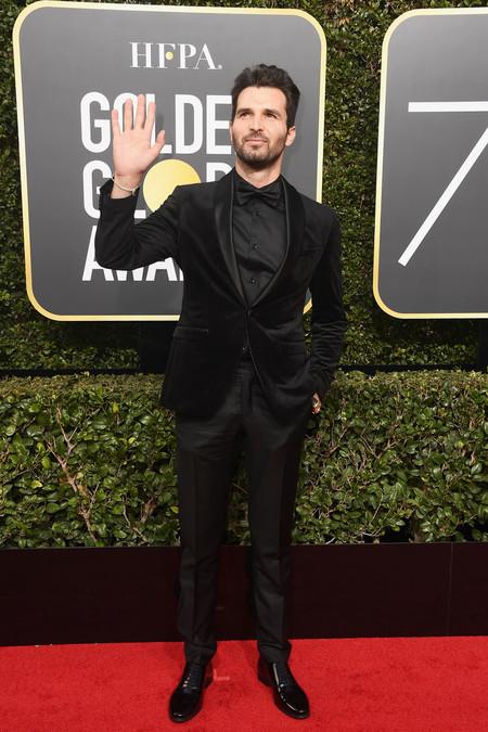 Andrea Iervolino Domina El Total Black Look Para Los Golden Globes 2018 2