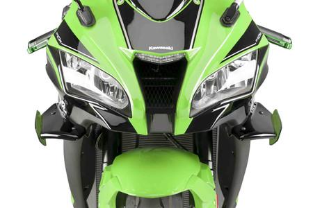 Los apéndices aerodinámicos han llegado a las motos de calle como accesorio, y son postureo puro