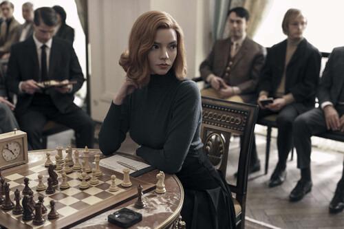'Gambito de dama': Anya Taylor-Joy da jaque mate en una apasionante miniserie de época que se sitúa entre lo mejor de Netflix en 2020