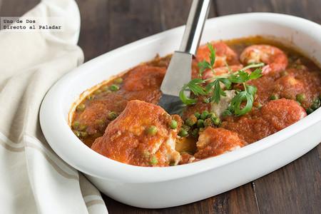 Merluza al horno en salsa de tomate. Receta