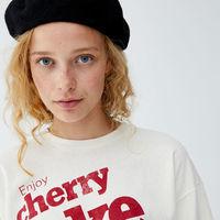 La camiseta más 90s está en Pull&Bear por 12,99 euros