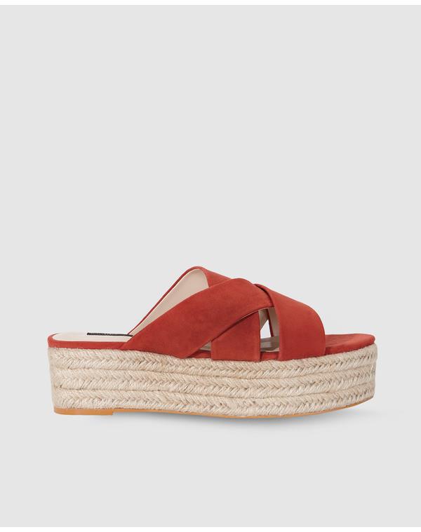 Foto de Zapatos cómodos en UNIT moda (2/5)