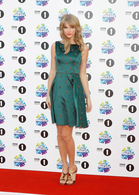 Taylor Swift look vestido