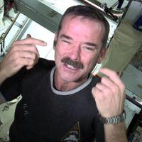 [Vídeo] ¿Cómo se cortan las uñas los astronautas en el espacio?