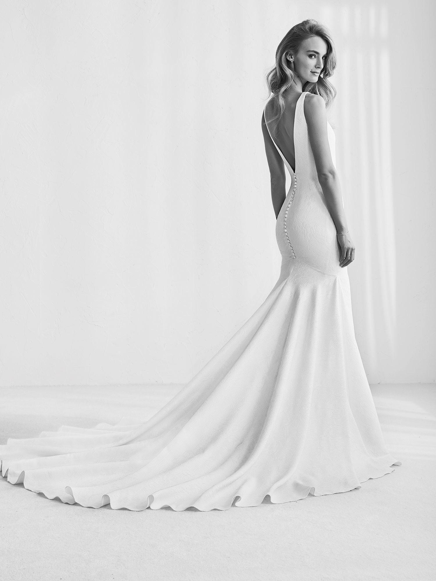 Foto de Pronovias avance 2018 vestidos de novias (11/22)