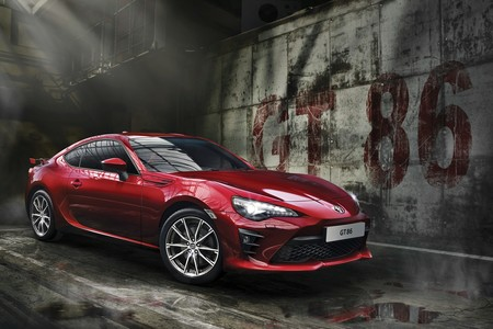 ¡Máximas sensaciones sin pervertir el original! Vuelve el Toyota GT86, por 34.490 euros