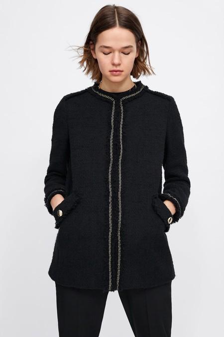 Estas 13 prendas de Zara nos encantan porque nos recuerdan a los diseños de Karl Lagerfeld para Chanel