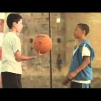 La Liga Endesa y el vídeo en el que el baloncesto llega a una España que parece de los 50