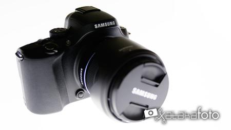 Samsung NX20 vista frontal lateral
