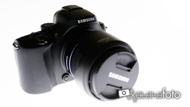 Samsung NX20 vista frontal lateral