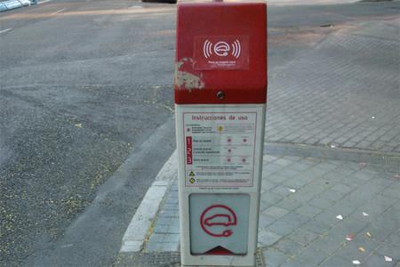 Más de la mitad de los puntos de recarga pública de Madrid no prestan servicio