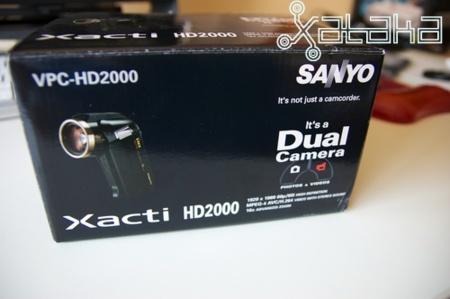xacti_hd2000_caja.jpg