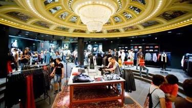 Increíble apertura de H&M en Gran Vía, Madrid