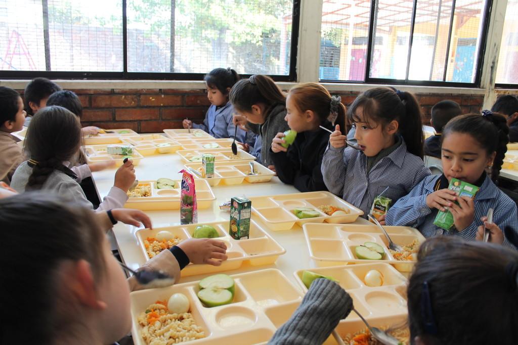 Chicote visita los comedores escolares: una nutricionista nos hablan de nutrición infantil