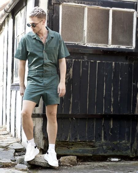El Mejor Street Style De La Semana Adopta El Color Verde Como El Preferido Para La Transicion 06