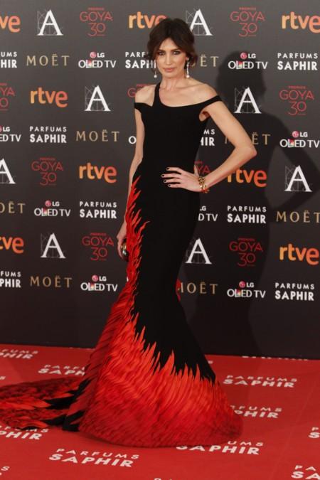 Los Premios Goya 2016: desfile de modelos en la alfombra roja