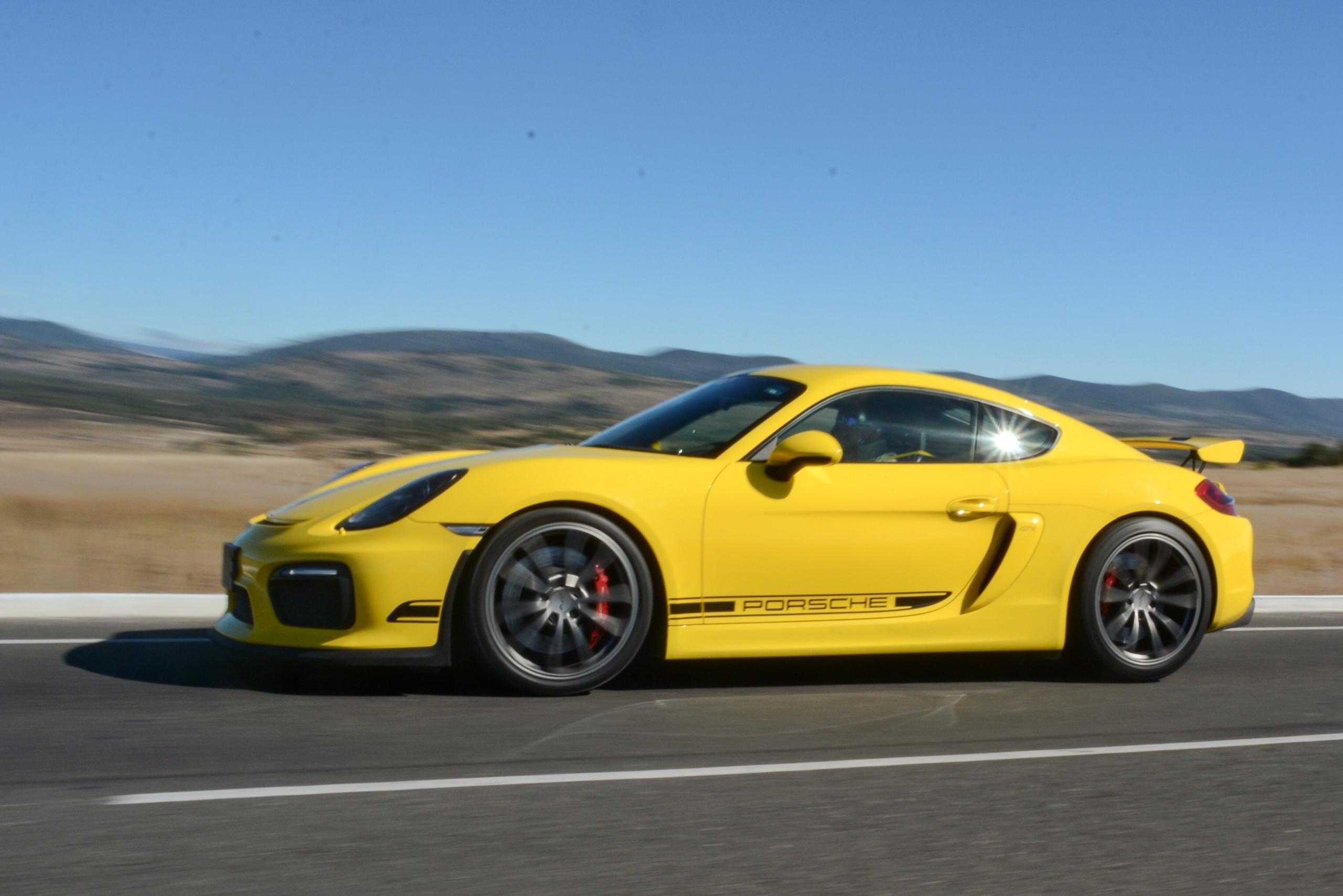 Foto de Porsche Cayman GT4 (9/19)